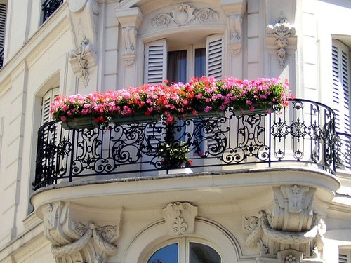 altbau. balkon.