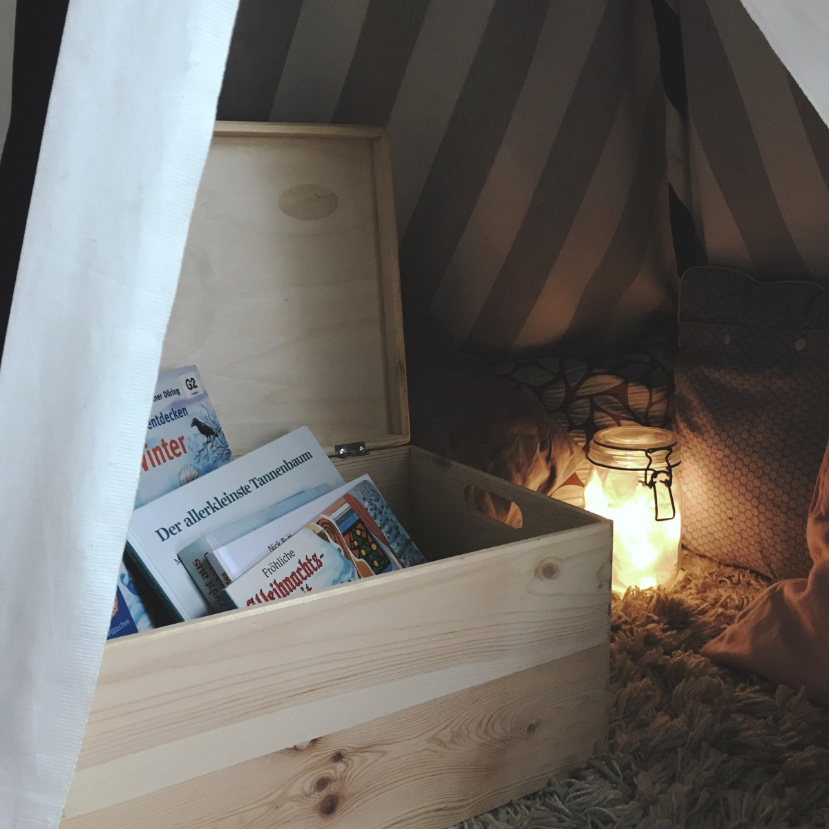 Unsere neue Advents-Tradition: Die weihnachtliche Bücherbox